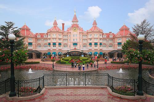 Welcome to Disneyland Park Paris
